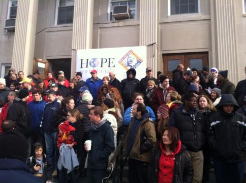 Hope Worldwide volunteers take a group picture before work.